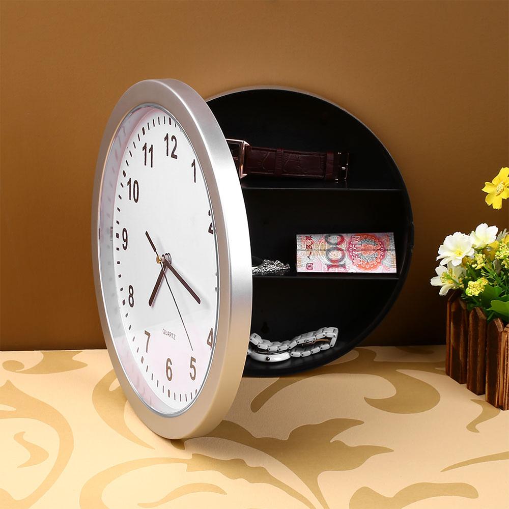 นาฬิกาซ่อนเงิน ถูกออกแบบให้มีพื้นที่ด้านสามารถเก็บเงินหรือซ่อนของต่างๆๆได้