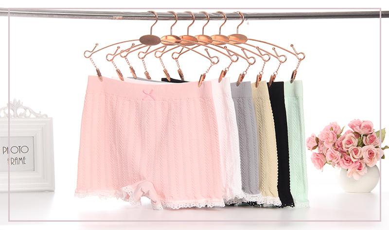 กางเกงขาสั้นระบายลูกไม้ สีหวานน่ารักสดใส ผ้ายืดได้มาก ใส่สบายสุด  มีหลายสี สำหรับ 38-65 กิโล สามารถใส่ได้