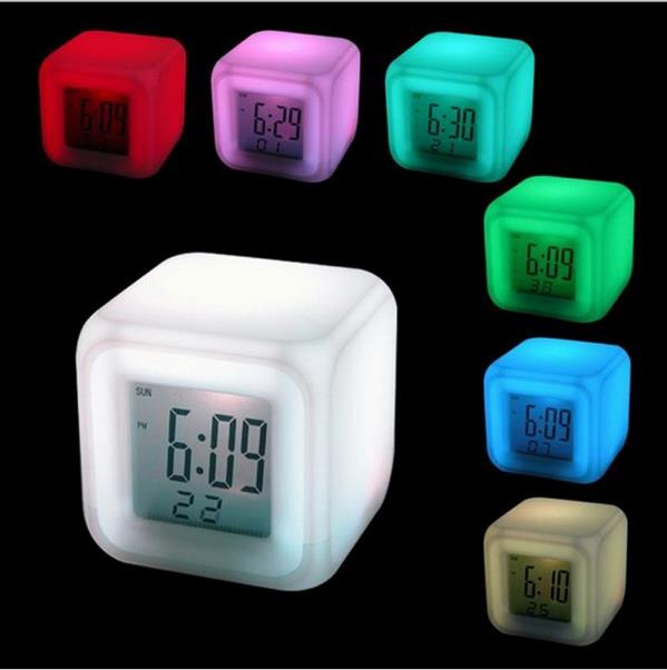 นาฬิกาปลุกเปลี่ยนสีได้ หลายฟังชั่น เล็กพกพาสะดวก