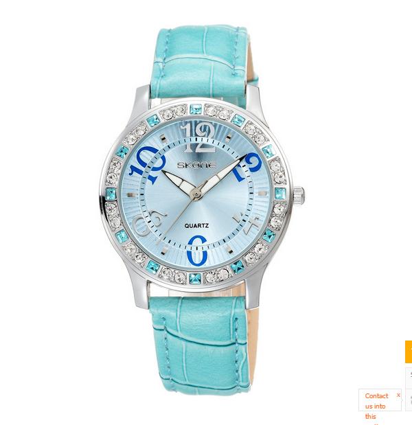 นาฬิกาข้อมือแฟชั่น ประดับเพชร รุ่นกันน้ำได้ลึก 30 เมตร