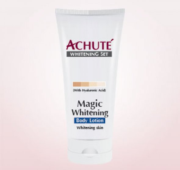 Achute'  Magic Body Lotion โลชั่นบำรุงผิวให้ขาวกระจ่างใส สูตรผสม อัลฟ่าอาร์บูติน ผิวเนียนนุ่มชุ่มชื้น สดใส