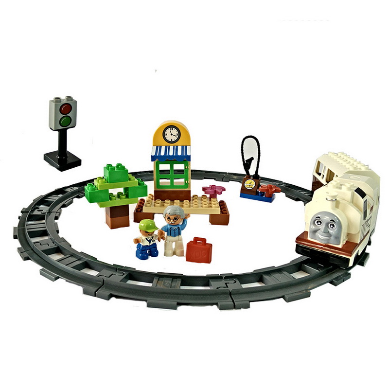 ชุดตัวต่อ รถไฟ มีเสียง มีไฟ  งานดีค่ะ